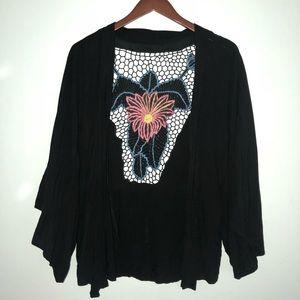 Flower patterned shawl